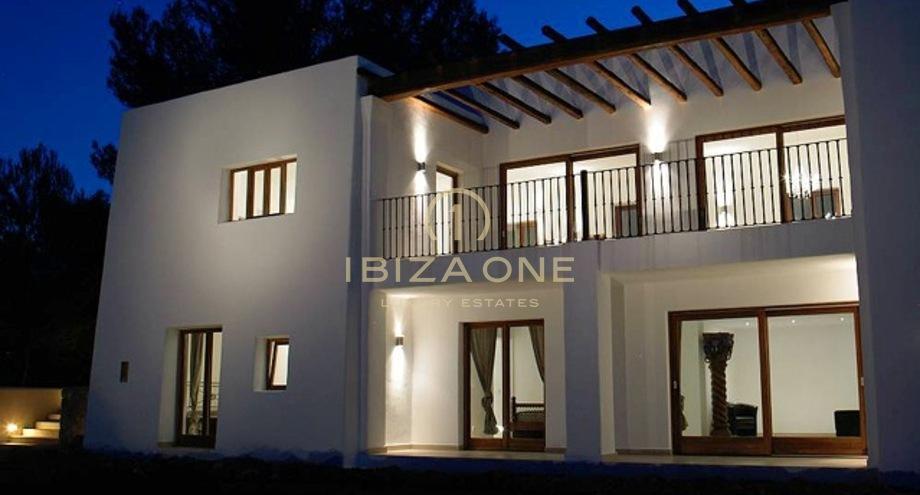 nouveau finca maison construite de style vendre ibiza one agence immobiliere de luxe villas. Black Bedroom Furniture Sets. Home Design Ideas