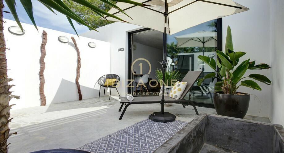 Villa moderna di lusso in vendita e affitto vicino alle for Case alla moda