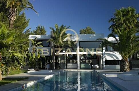 Villas maisons ibiza one agence immobiliere de luxe villas de luxe a vendre a louer for Maison luxe ibiza