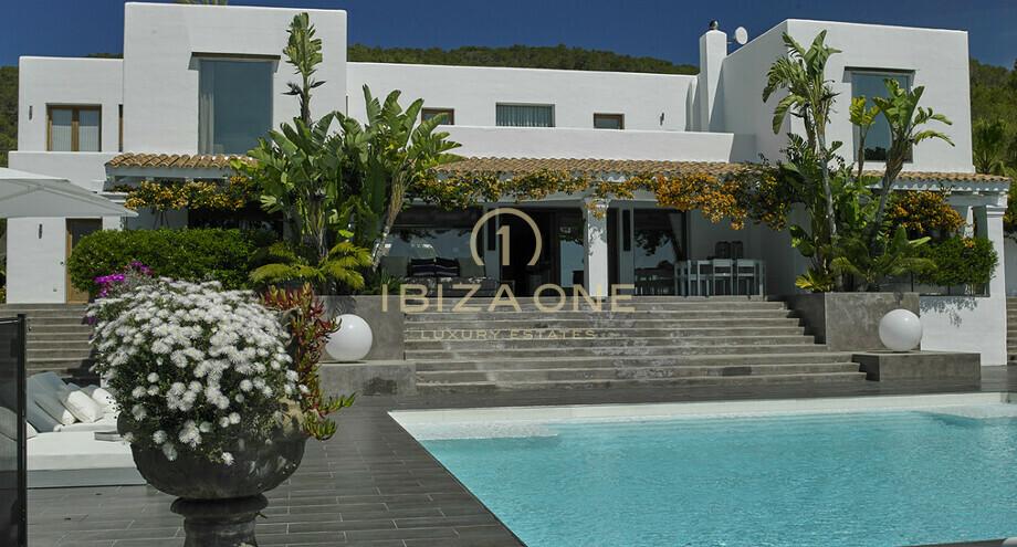 Villa moderne de luxe - Ibiza One Agence immobiliere de luxe, Villas ...