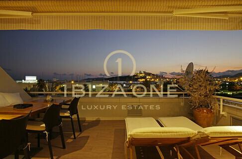 Appartamenti ibiza one agenzia immobiliare di lusso for Agenzia immobiliare lusso