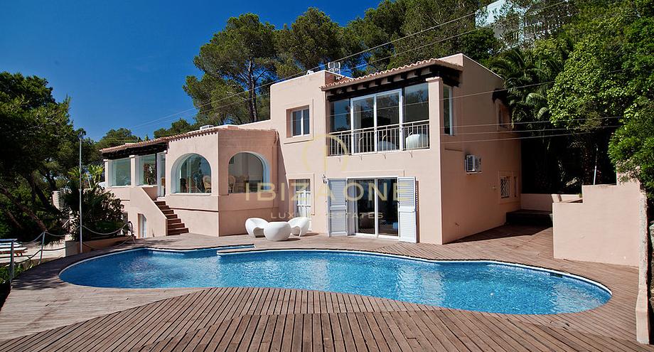 House one luxe villa op de top van een prive berg geconfronteerd