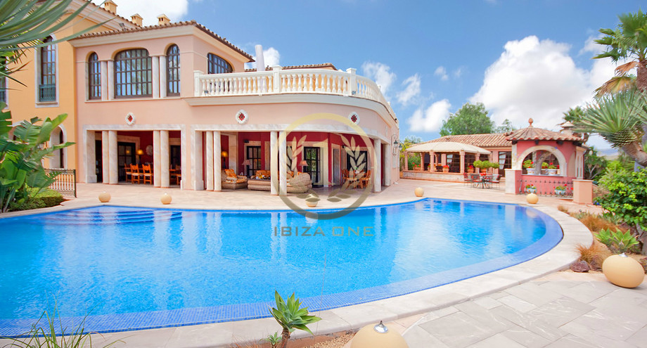 Park Like Luxury Mansion With Five Guest Apartments For Sale On Mallorca    Nova Santa Ponsa