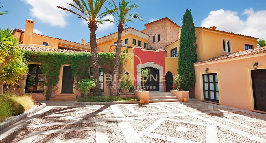 mallorca garez comme maison de luxe avec cinq appartements d 39 h tes vendre ibiza one agence. Black Bedroom Furniture Sets. Home Design Ideas