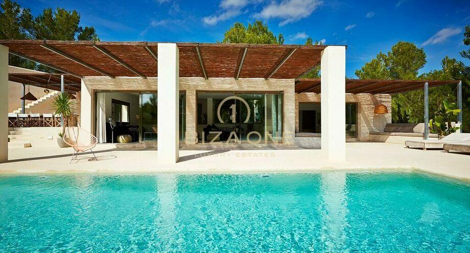villa de luxe dans le sud ouest d 39 ibiza vendre et louer ibiza one agence immobiliere de
