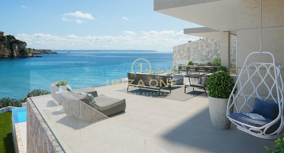 Attico di lusso moderno di nuova costruzione con vista sul mare e