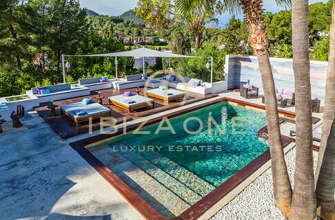 Affitto ibiza one agenzia immobiliare di lusso villa for Villa con 5 camere da letto