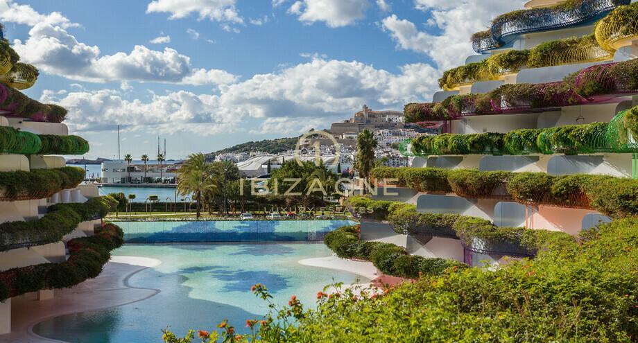 Modern Luxury Apartment In Ibiza On Paseo Maritimo In Las