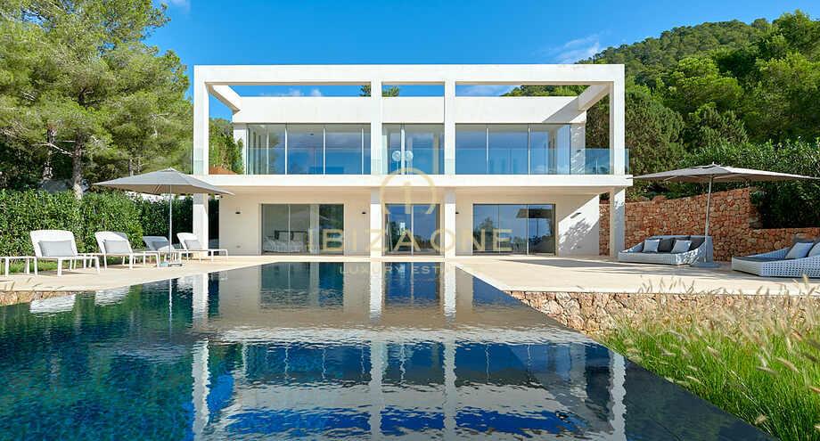 Propriete Moderne Renovee Avec Une Maison D Amis Separee Et Vue Sur La Mer A Vendre Es Cubells Ibiza One Agence Immobiliere De Luxe Villas De Luxe A Vendre A Louer